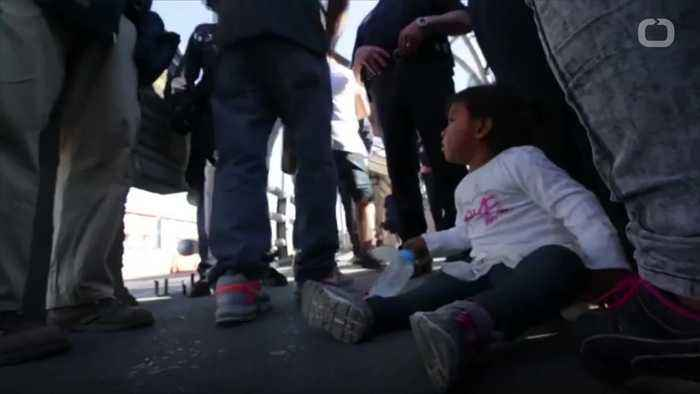 News video: Migrants Continue To Seek For Their Children
