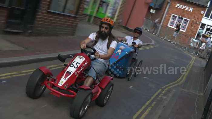 DIY racers pedal round Hampshire town for 'grand prix'