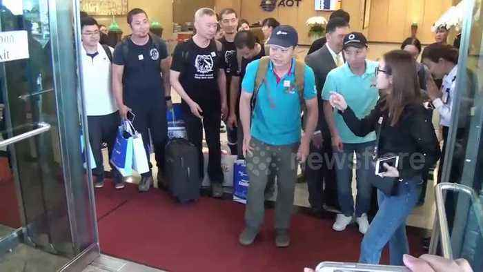News video: Chinese cave rescuers depart from Bangkok airport