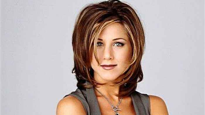 Jennifer Aniston Fantasizes About A 'Friends' Reboot