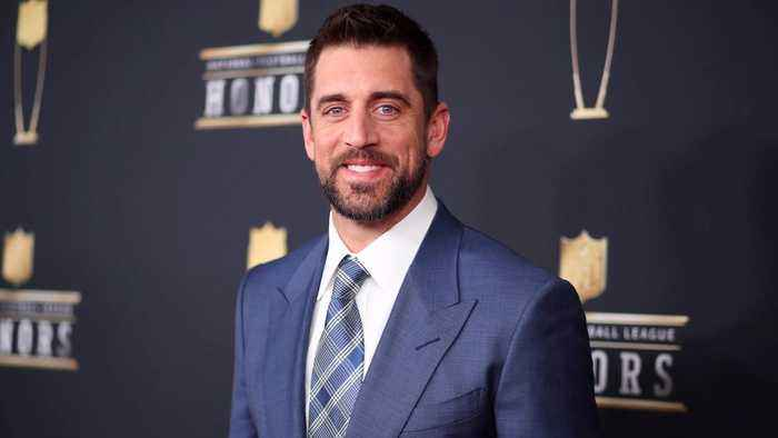News video: Aaron Rodgers Says LeBron James Needs No Help Responding To Donald Trump