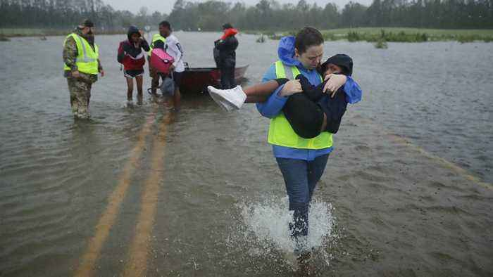News video: Hurricane Florence Claims First Victims In North Carolina