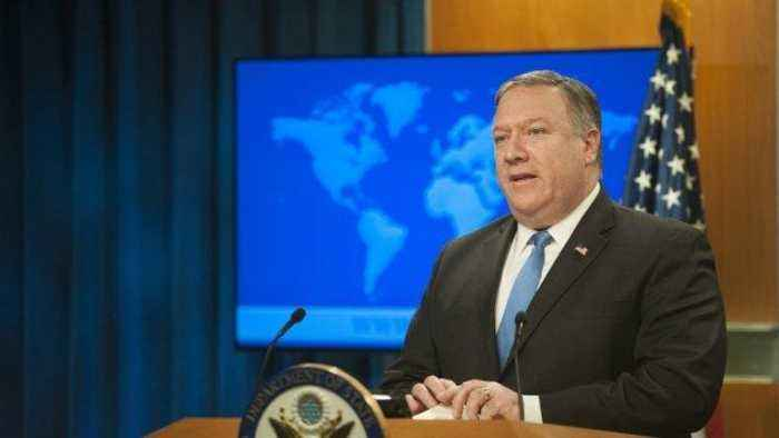 Mike Pompeo Criticizes John Kerry's Meetings with Iranians