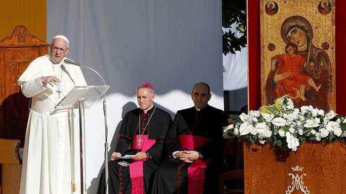 Pope Francis pays tribute in Sicily to priest slain by Mafia