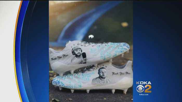 Steelers' James Conner Honors Mac Miller With Custom Cleats