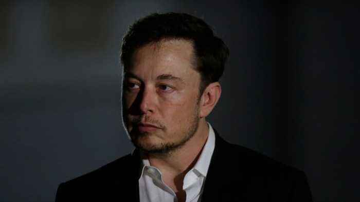 Elon Musk no longer Tesla chairman and other MoneyWatch headlines