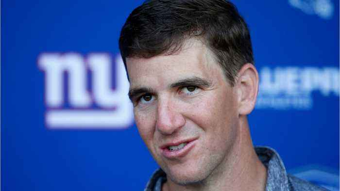 Eli Manning Holding Back The Giants