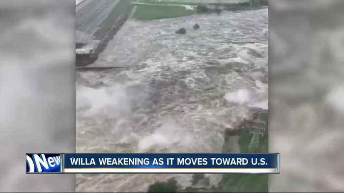 Willa makes landfall in Mexico, causes flooding
