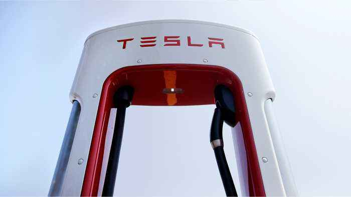 Former Tesla Employee Becomes Middle Of Embezzling Controversy