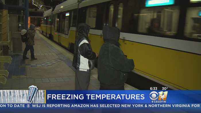 Early Freeze Means Coats, Hats & Gloves For North Texans