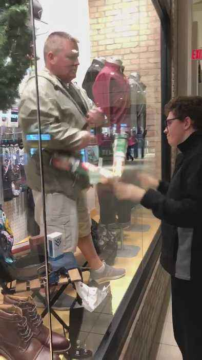 Video Of Father Entertaining Special Needs At Mall Son Warming Hearts Across South Jersey