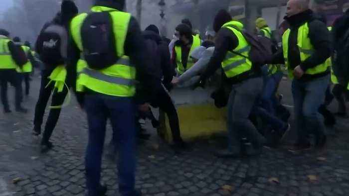 France: 'yellow vests' expose Macron's Achilles heel