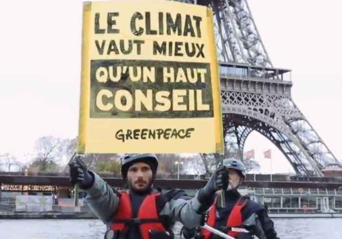 Greenpeace in Paris Boat Protest as UN Summit Begins