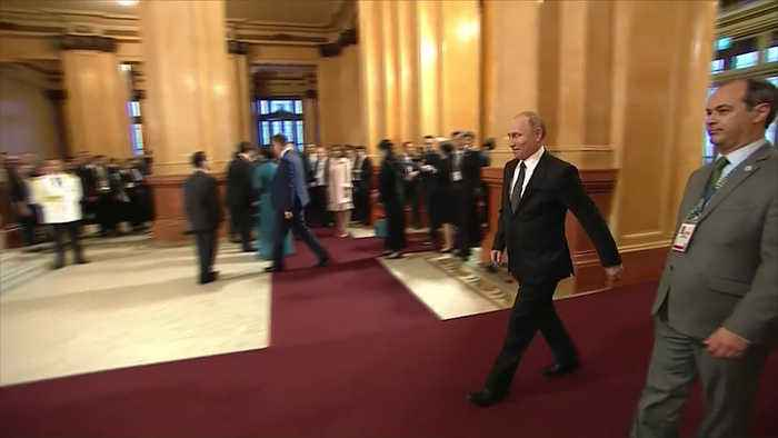 How Vladimir Putin greeted 8 leaders at the G-20