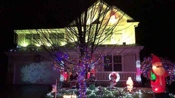 Epic Christmas light show synced to music - Epic Christmas Light Show Synced To Music - One News Page VIDEO