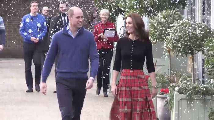 Right Now: This Is How Kate Middleton Dresses for a Christmas Party