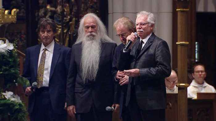 Oak Ridge Boys sing