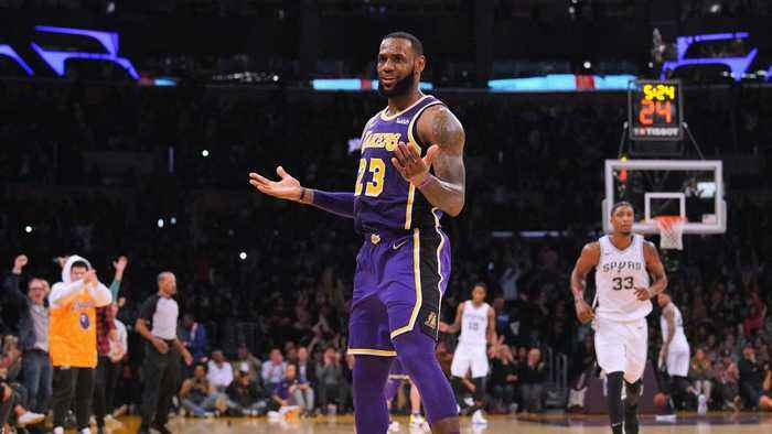 NBA Stars Are Reluctant to Play With LeBron James in Los Angeles