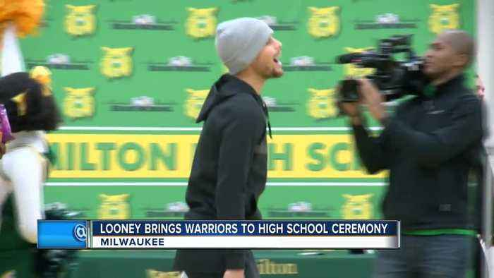 Curry, Durant and the Golden State Warriors crash Looney's Hamilton High School event