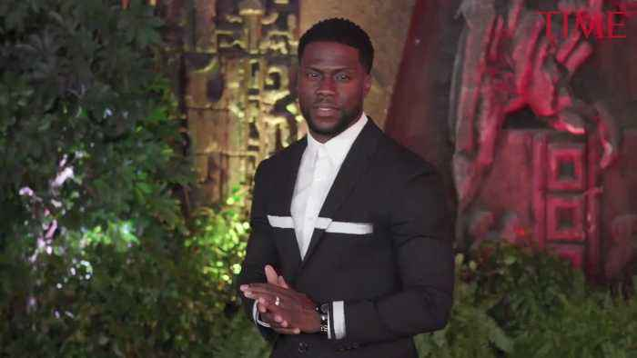 Kevin Hart Steps Down as Oscars Host After Outcry Over Homophobic Tweets