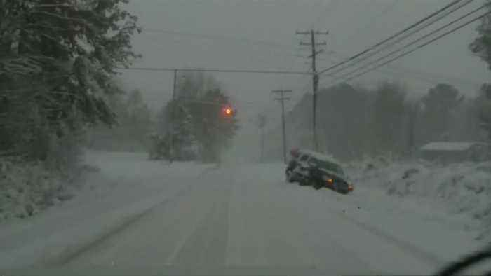 Winter storm pummels U.S. Southeast