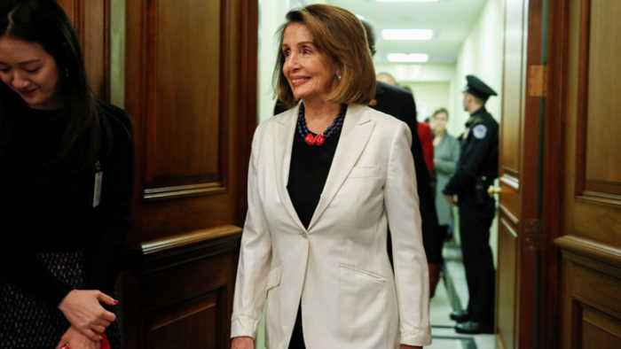 Pelosi agrees to term limit deal to secure House Speaker job