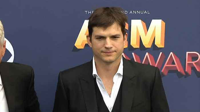 Ashton Kutcher gifts Dax Shepard a personalised shower curtain