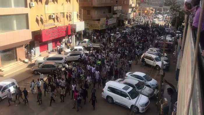 Crowds March Through Khartoum Streets to Protest Price Increases