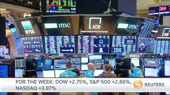 Wall Street rally pauses but mints weekly gain