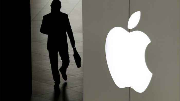 Apple Falls On iPhone Sales Issues