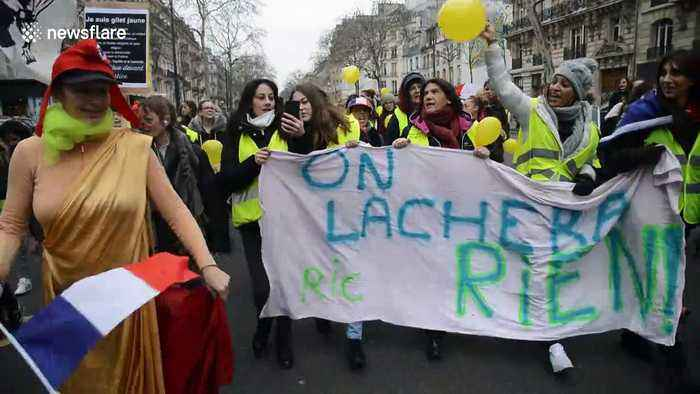 Hundreds of women rally in Paris during 'yellow vest' protests
