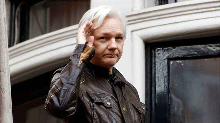Leaked WikiLeaks Email Says Assange Is Not A Communist Murderer