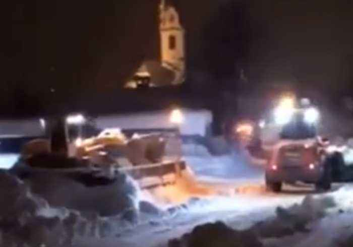 Several Killed and Many Cut Off as Heavy Snow Falls in Austrian Alps