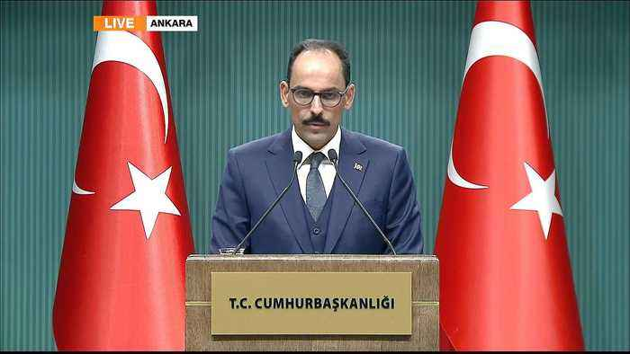 Syria war: Turkey gives briefing over pullout warning