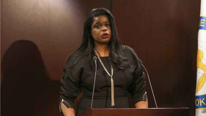 State's Attorney Kim Foxx Calls For Witnesses In R. Kelly Sex Abuse Case