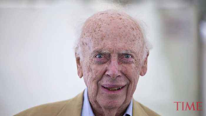 Nobel Laureate James Watson Loses Honorary Titles Over 'Reprehensible' Race Comments
