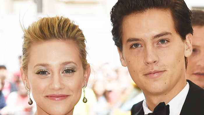 More PROOF That Cole Sprouse & Lili Reinhart Have BROKEN UP!