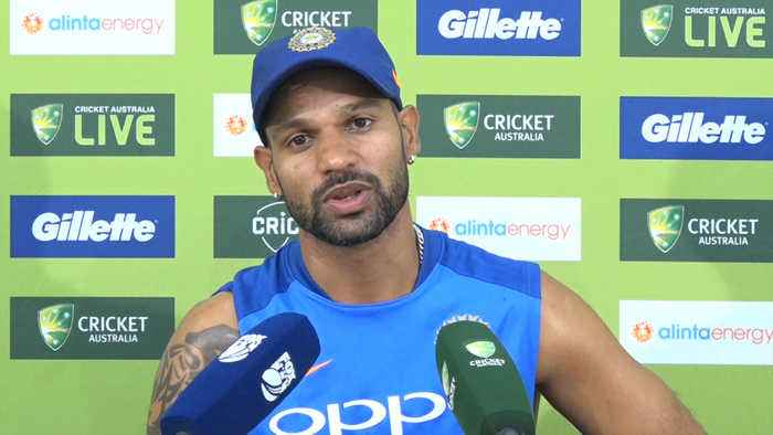 Dhoni  gives confidence to the batsmen at the other end: Shikhar Dhawan
