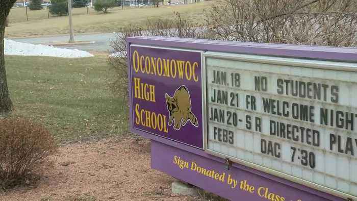Former Oconomowoc High School student charged with child enticement