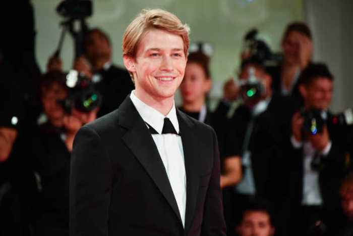 Joe Alwyn intends to keep Taylor Swift relationship private