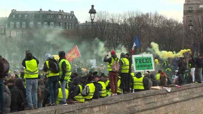 Yellow vests stage tenth Saturday of protest
