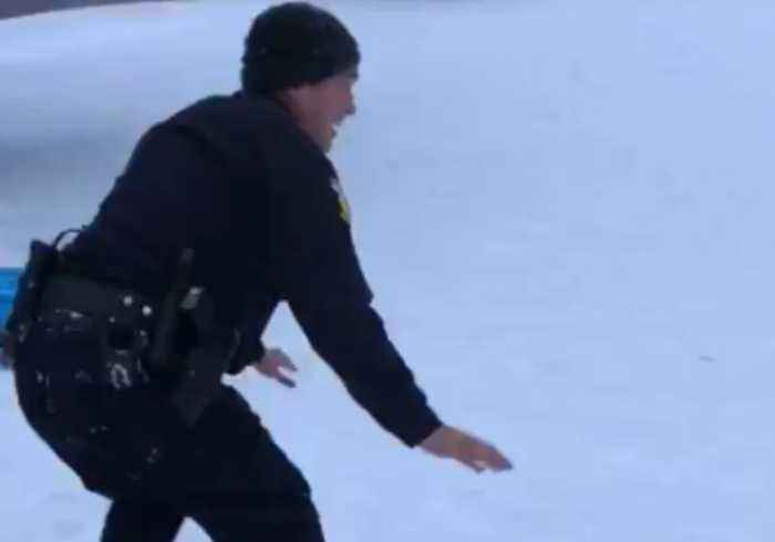 Officer Receives Snowboarding Lesson as Winter Storm Hits Ohio