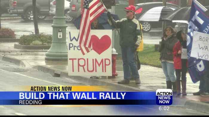 Hundreds Rally in Support of Trump Border Wall