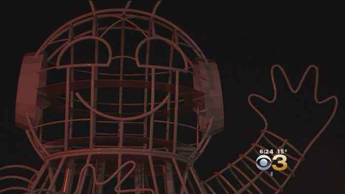 33-Foot Tall Robot Sculpture Created For Burning Man Is Now In Philly