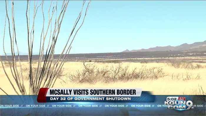McSally meets with border patrol agents in Nogales amid shutdown