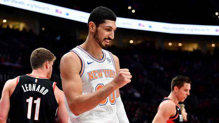 What Exactly Should Tanking Knicks Do With Enes Kanter?