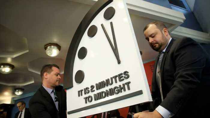 Doomsday Clock Stays at 2 Minutes to Midnight