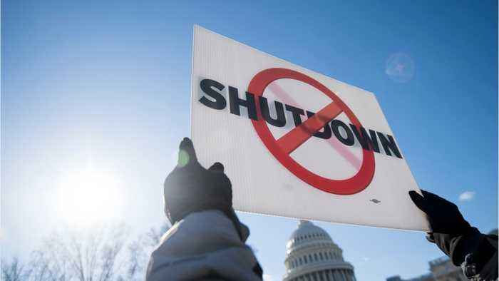 Flights Delayed As Government Shutdown Stretches Into 35th Day