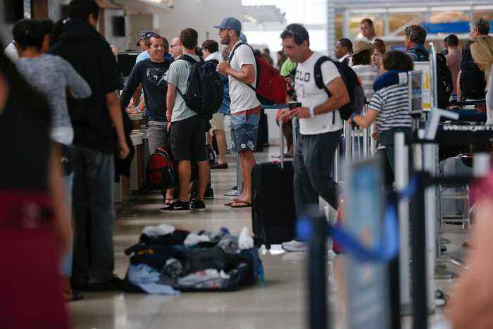FAA Grounds Flights in New York-Area Airports Due to TSA Shortages