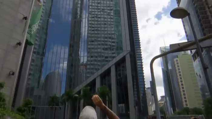 'French Spiderman' scales building in Manila